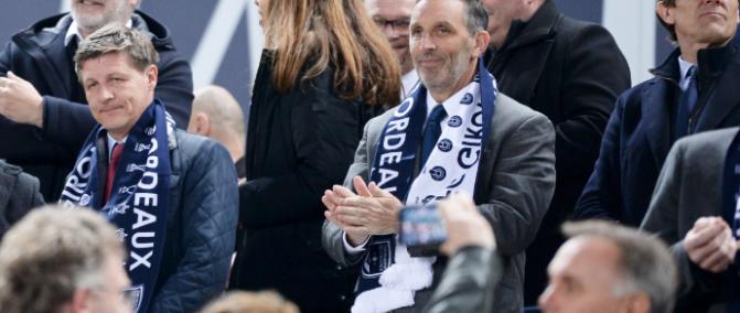 Le maire de Bordeaux souhaite la bienvenue à Youssef Aït-Bennasser
