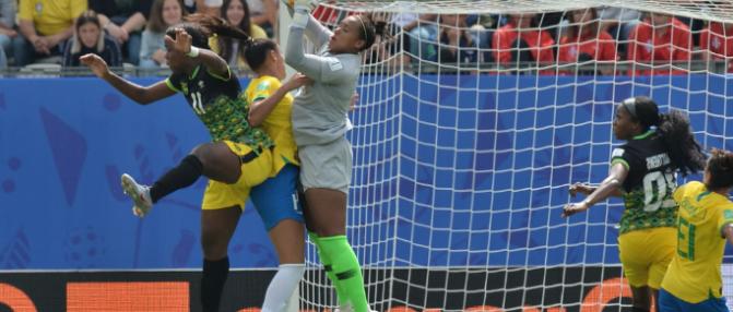 Mondial Fém : le Brésil de Sousa s'impose, Shaw impressionne