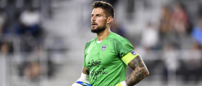 Brest - Bordeaux : Costil arrête un penalty !