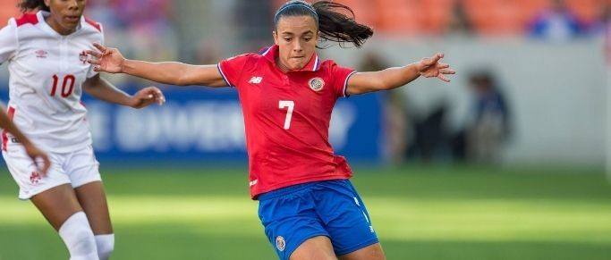 """Melissa Herrera : """"L'intensité est top, ce n'est pas la même chose que dans mon ancien club"""""""