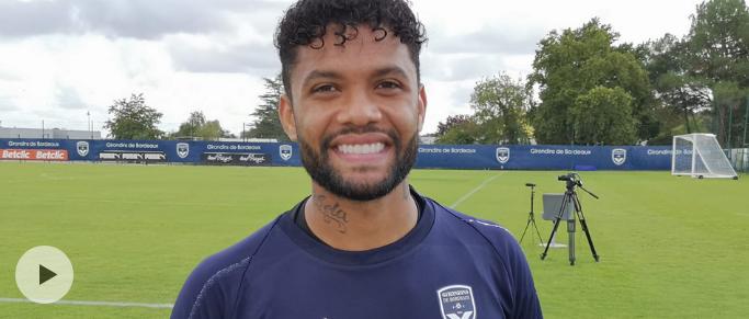 La réaction d'Otavio élu meilleur joueur du mois d'août